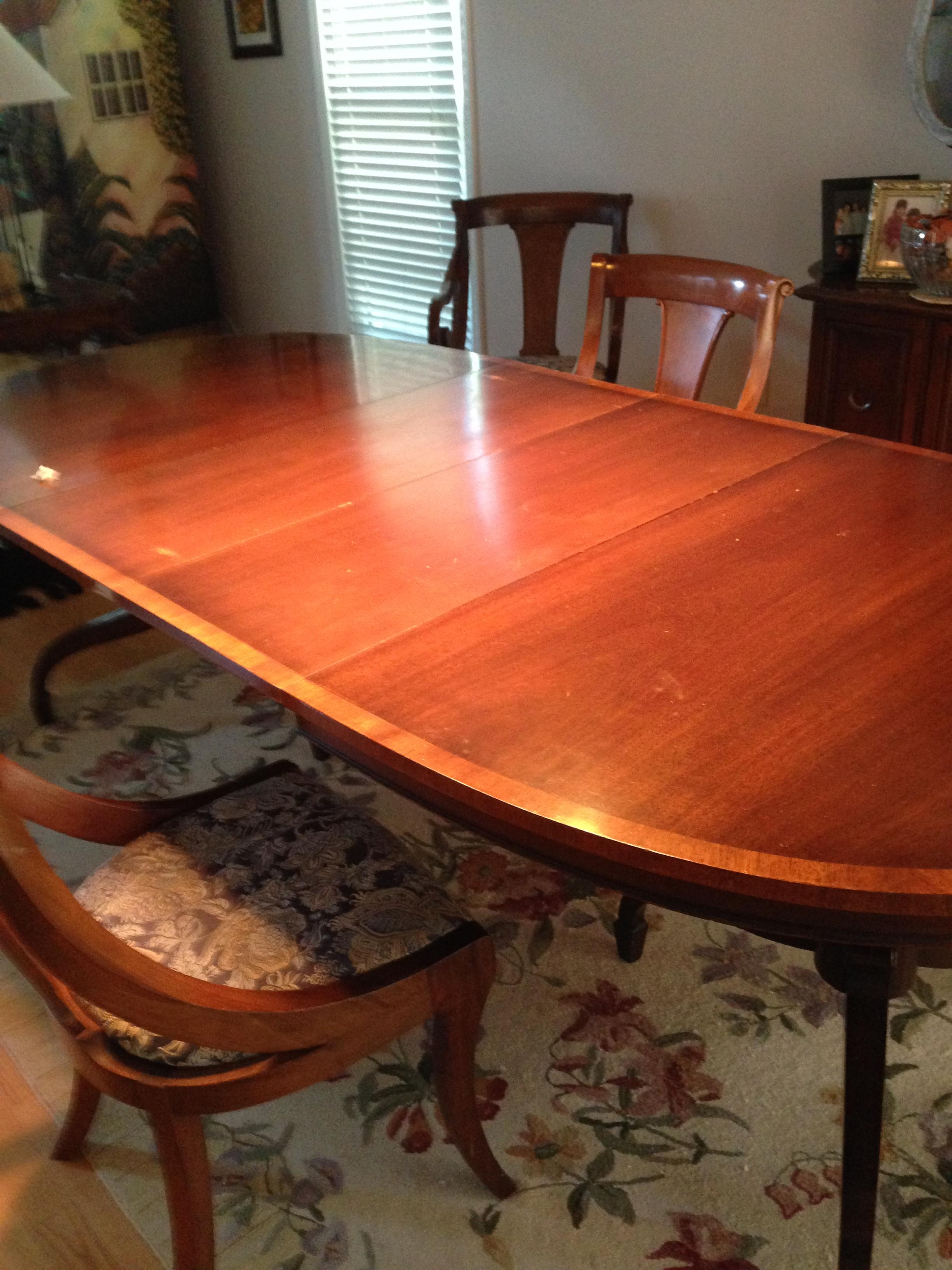 J L Metz Dining Table And Chairs